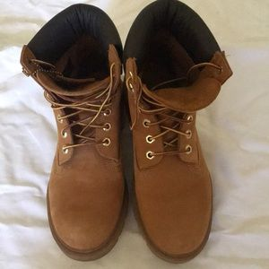 Timberlands Classic Wheat boot, Women's size 7